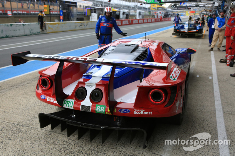 #68 Ford Chip Ganassi Racing Ford GT: Джоі Хенд, Дірк Мюллер та Себастьян Бурде
