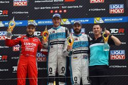 Podium: winner Jean-Karl Vernay, Leopard Racing, Volkswagen Golf GTI TCR, second place Sergey Afanasyev, Team Craft-Bamboo LUKOIL, SEAT Leon, third place Stefano Comini, Leopard Racing, Volkswagen Golf GTI TCR