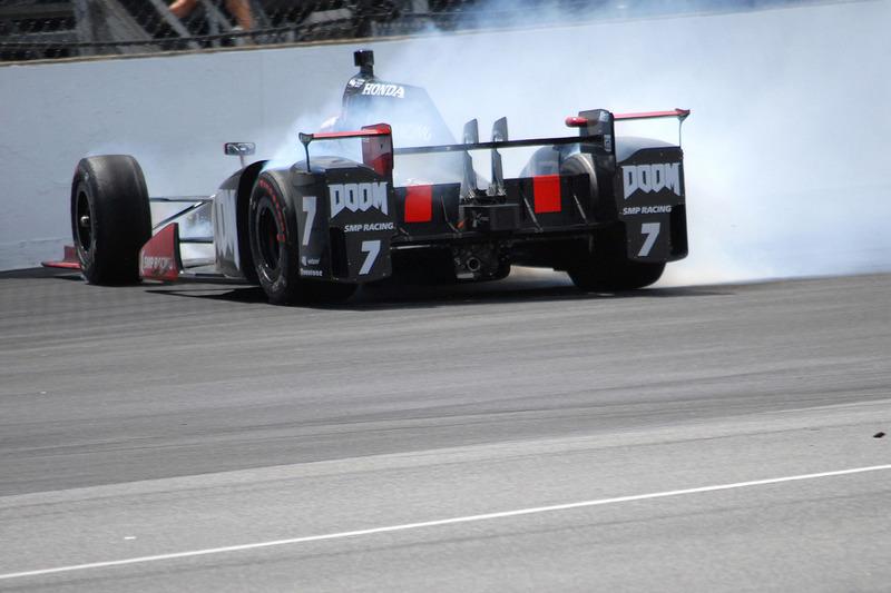 Авария в Indy 500