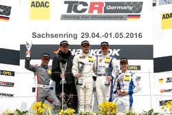Podium: 2. Benjamin Leuchter, Racing One, VW Golf GTI TCR ; 1. Antti Buri, LMS Racing, SEAT Leon TCR