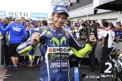 Derde plaats Valentino Rossi, Yamaha Factory Racing in parc ferme