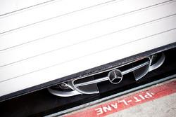 Mercedes hood
