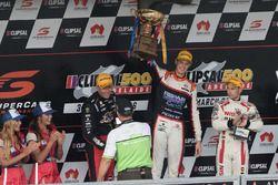 Podium: ganador, Nick Percat, Lucas Dumbrell Motorsport Holden, segundo lugar, Michael Caruso, Nissa