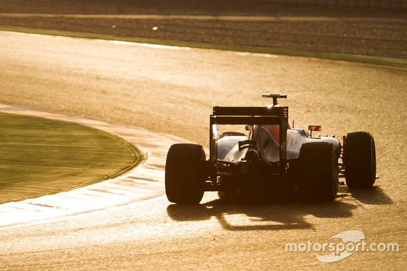 3. Rio Haryanto, Manor Racing MRT05