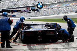 Питстоп машины Марка Госсенса, Райана Дила и Райана Хантера-Рейя, #90 VisitFlorida.com Racing Corvette DP