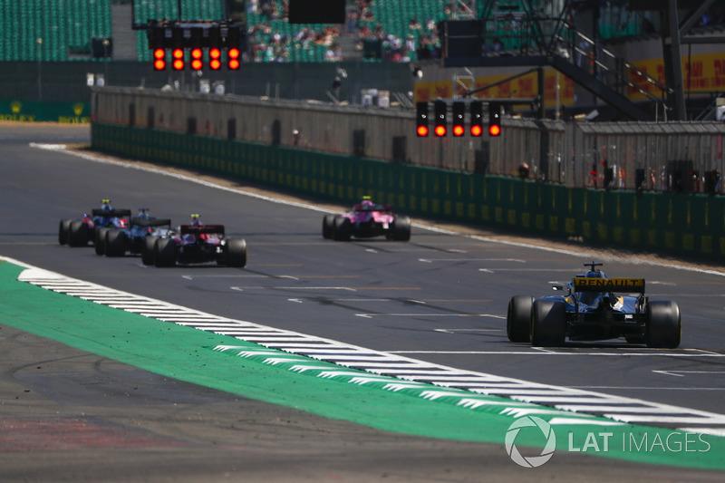 Pierre Gasly, Toro Rosso STR13, Esteban Ocon, Force India VJM11, Lewis Hamilton, Mercedes AMG F1 W09, Charles Leclerc, Sauber C37, et Nico Hulkenberg, Renault Sport F1 Team R.S. 18, alignés pour des essais de départ