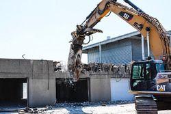 Démolition de l'ancien paddock de Montréal