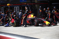 Max Verstappen, Red Bull Racing RB13 au stand