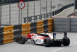 Mick Schumacher, SJM Theodore Racing by Prema, Dallara Mercedes manca la curva Lisboa