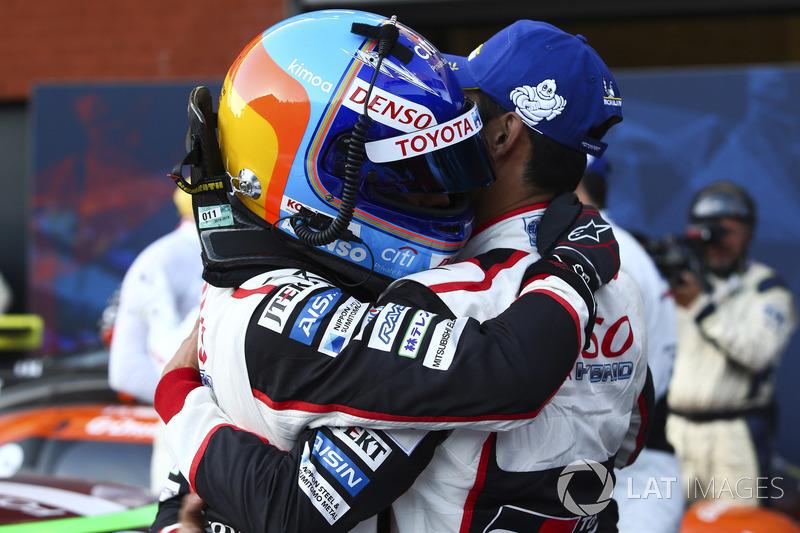 Победители Фернандо Алонсо и Казуки Накаджима, Toyota Gazoo Racing