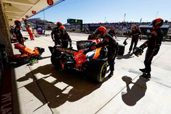 Fernando Alonso, McLaren MCL32, is retired to the garage