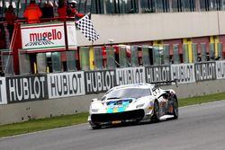 Ganador de la carrera #224 M Auto Ferrari 488: Go Max