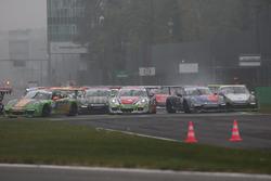 Partenza Gara 1, incidente tra Gianmarco Quaresmini, Dinamic Motorsport, e Ivan Jacoma, Ghinzani Arc