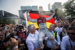 Il vincitore della gara Daniel Abt, Audi Sport ABT Schaeffler festeggia la vittoria