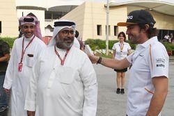 Fernando Alonso, McLaren y Abdallah Al Khalifa, Secretario Privado del Príncipe Heredero Shaikh Salm