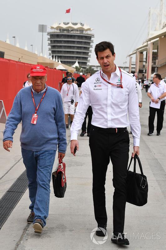 Niki Lauda, presidente no ejecutivo de Mercedes AMG F1 y Toto Wolff, director de Motorsport de Mercedes AMG F1