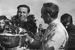 John Surtees, Cooper T81, with Jim Clark, Lotus 43-BRM H16, on the podium