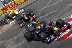 Sebastian Vettel, Red Bull Racing RB5, Mark Webber, Red Bull Racing RB5 ve Fernando Alonso, Renault