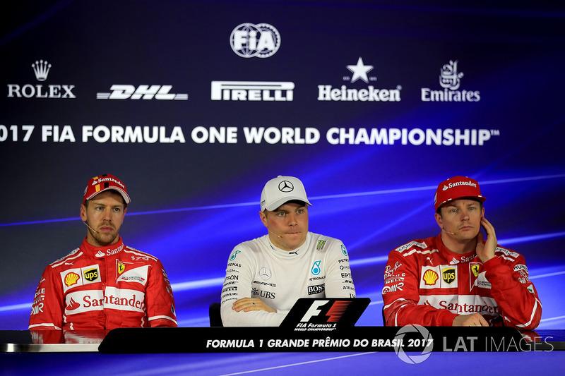 Sebastian Vettel, Ferrari, ganador de la pole Valtteri Bottas, Mercedes AMG F1 y Kimi Raikkonen, Ferrari en la conferencia de prensa