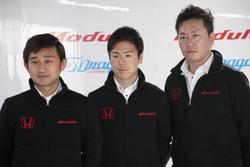 Modulo DRAGO CORSEの道上&大津両ドライバーとチョン・ヨンフン監督