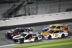 Kevin Harvick, Stewart-Haas Racing Ford Fusion, Denny Hamlin, Joe Gibbs Racing Toyota Camry, Paul Menard, Wood Brothers Racing Ford Fusion, Kyle Busch, Joe Gibbs Racing Toyota Camry