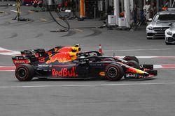 Daniel Ricciardo, Red Bull Racing RB14 and Max Verstappen, Red Bull Racing RB14 battle