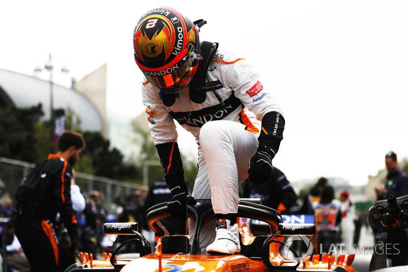 Stoffel Vandoorne, McLaren, arriva in griglia