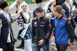 Макс Ферстаппен, Red Bull Racing, и Брендон Хартли, Toro Rosso