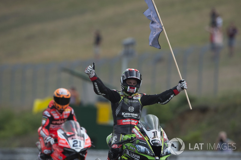 Rea déloge Fogarty du record de succès en Superbike à Brno