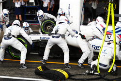 Lance Stroll, Williams FW41, dans les stands