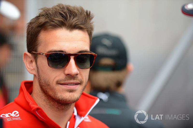 A família de Leclerc é muito próxima à de Jules Bianchi, que, assim, teve grande influência na carreira de Charles. Bianchi faleceu em 2015 como consequência de seu acidente em Suzuka.