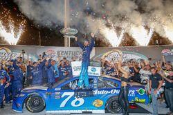 Race winner Martin Truex Jr., Furniture Row Racing, Toyota Camry Auto-Owners Insurance