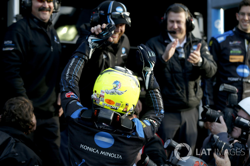 Pole position para #10 Wayne Taylor Racing Cadillac DPi: Renger Van Der Zande