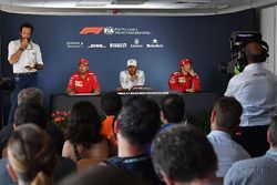 Sebastian Vettel, Ferrari, Lewis Hamilton, Mercedes-AMG F1 and Kimi Raikkonen, Ferrari in the Press Conference