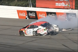 Darrell Wallace Jr., Richard Petty Motorsports, Chevrolet Camaro Mile 22, crash