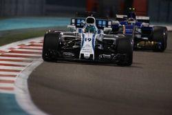 Фелипе Масса, Williams FW40, и Паскаль Верляйн, Sauber C36