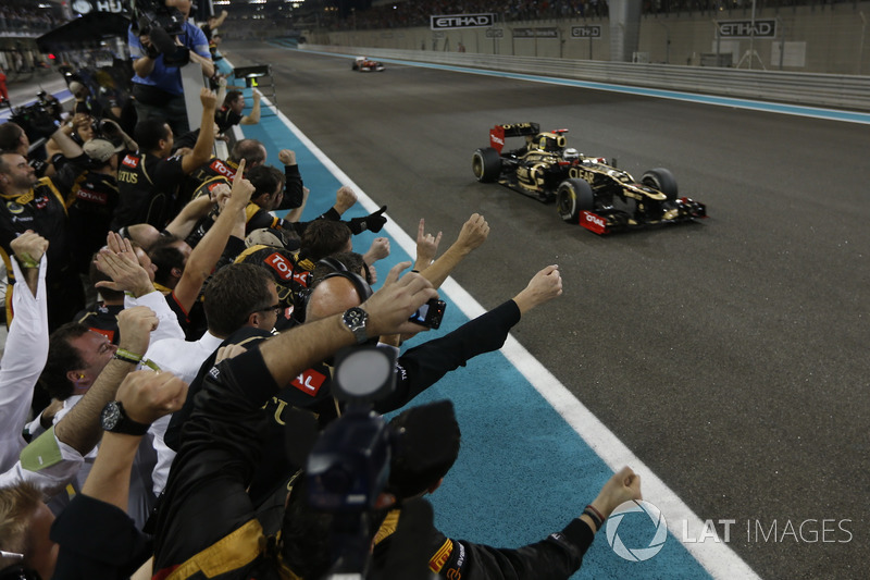 """Foi também em Abu Dhabi-2012 que Raikkonen soltou outra pérola ao ser informado da diferença para Alonso: """"Me deixe em paz, eu sei o que estou fazendo!""""."""