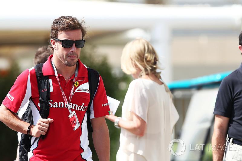 Его главным соперником был Фернандо Алонсо, героически сражавшийся за титул на машине F2012, явно не заслуживающей такой чести. Испанец проводил, пожалуй, сильнейший сезон в карьере и совсем немного уступал Феттелю в общем зачете