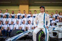 Lance Stroll, Williams en la foto del equipo Williams team