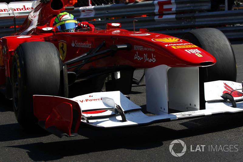 O brasileiro também ficou sem se classificar à frente do espanhol entre os GPs do Canadá de 2011 e Malásia 2013 (34 provas).