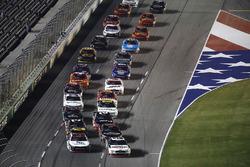 William Byron, JR Motorsports Chevrolet, Ryan Blaney, Team Penske Ford