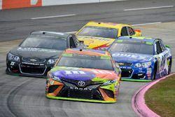 Кайл Буш, Joe Gibbs Racing Toyota, Рид Соренсон, Premium Motorsports Chevrolet и Джимми Джонсон, Hen