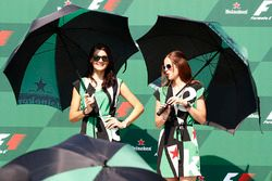 Les Heineken Girls