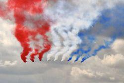 La Patrouille de France survole la piste