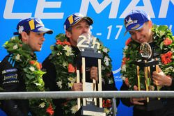 LMGTE Am podium: winnaars Julien Andlauer, Matt Campbell, Proton Competition, Patrick Dempsey, Dempsey Proton Competition