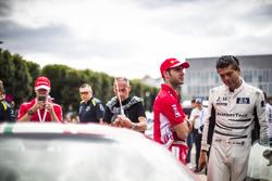 Гонщики AF Corse Алессандро Пьергвиди, Джеймс Каладо и Даниэль Серра; Лайам Гриффин, JMW Motorsport