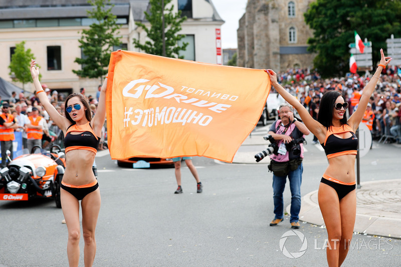 G-Drive chicas