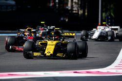 Carlos Sainz Jr., Renault Sport F1 Team R.S. 18, Daniel Ricciardo, Red Bull Racing RB14, Kevin Magnussen, Haas F1 Team VF-18