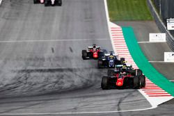 Start of the F2 Feature Race
