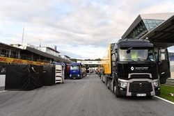 Renault Sport F1 Team truck and freight